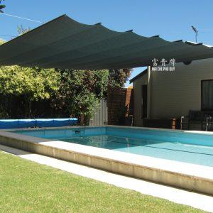 mái xếp lượn sóng hồ bơi